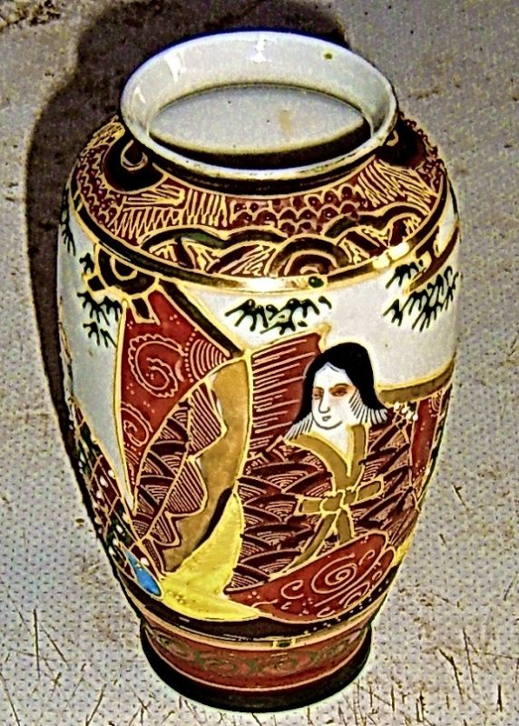 kleine handbemalte asiatische  Vase