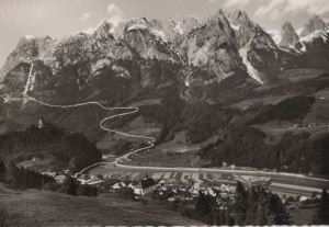 Österreich - Österreich - Werfen - und Burg gegen das Tannengebirge - ca. 1965