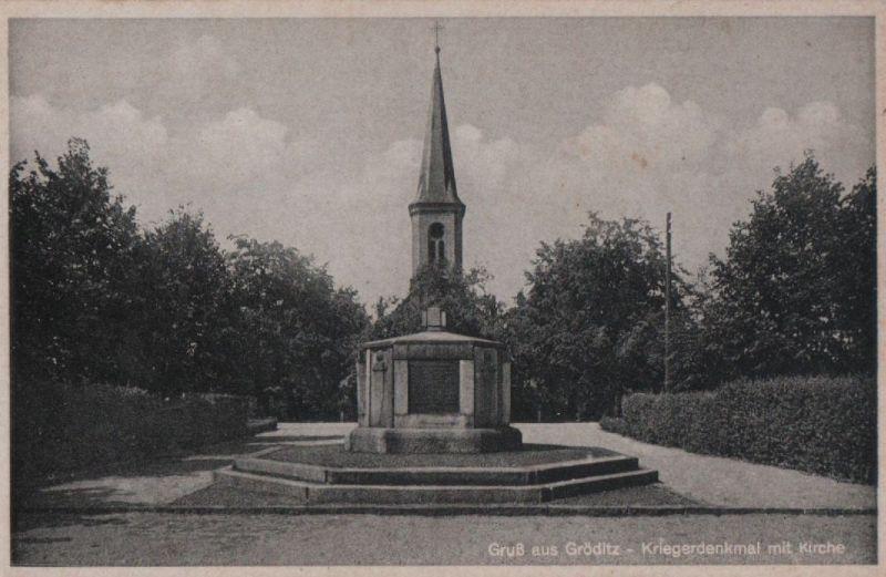 Gröditz - Kriegerdenkmal mit Kirche
