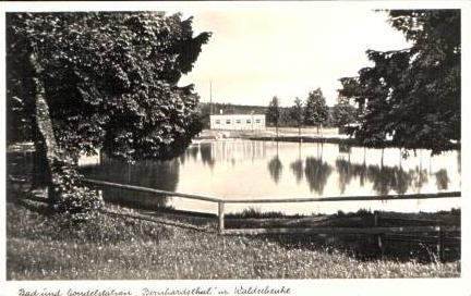Bernhardsthal v.1938 Bad & Gasthaus (17134-003)