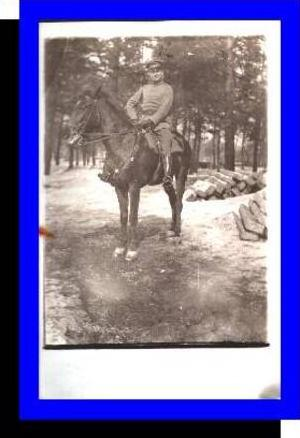 1.Weltkrieg v.1915 Soldat zu Pferd (692)