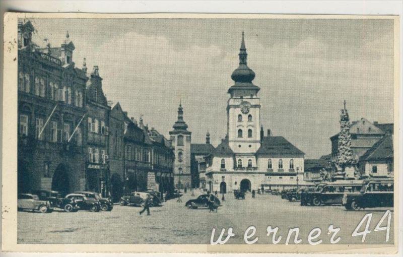Saaz v.1952 Der Marktplatz mit alte PKW`s (18630) 0