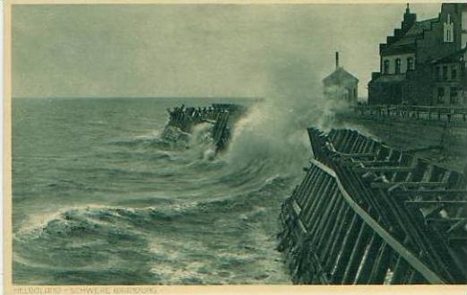 Helgoland v.1920 Schwere Brandung am N (19196) 0