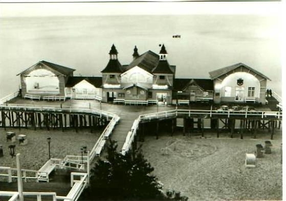 Sellin v.1966 Seebrücke am Strand (22390)
