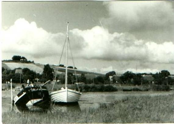 Moritzburg v.1965 Häuser,Fischerboote (22398)