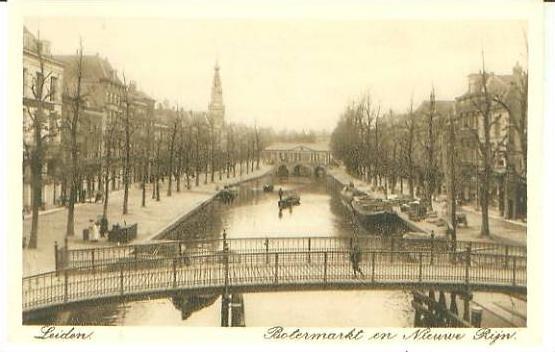 Leiden v. 1918   Botermarkt en Nieuwe Riln  (24664)