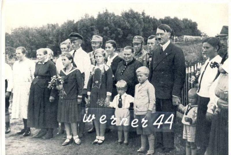A.H v. 1936  In Ostpreußen wird eine Bauernfamilie besucht  -- siehe Foto !!  (32181)