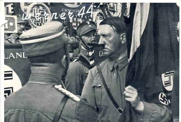 Sammelwerk Nr. 15  v. 1933 A.H. weiht die Standarten auf dem Parteitag der Freiheit-- siehe Foto !!  (32199-13)