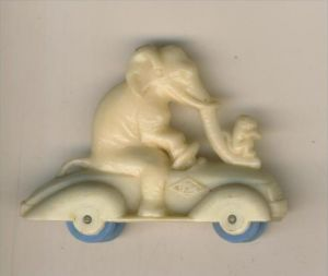 Margarinefiguer v. 1955  Elefant mit Affen auf dem Roller, mit blaue Räder  --  siehe Foto !!  (M-4)