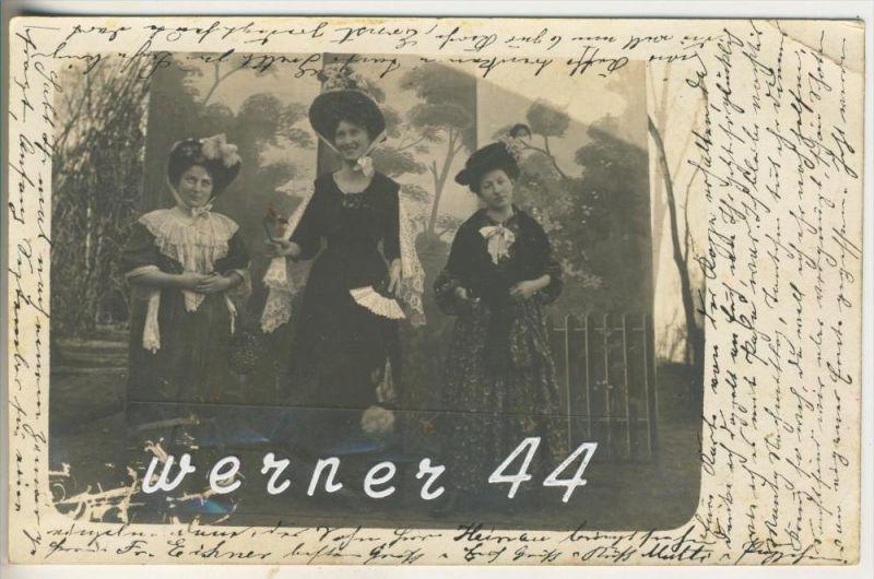 Drei schöne Frauen von 1923   (45634)