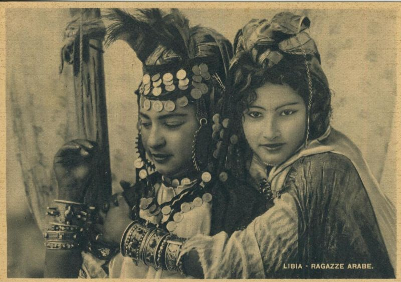 Libia / Libyen v. 1938  Ragazze Arabe  (52807)