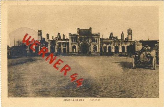 Brest-Litowsk v. 1917  Bahnhof mit altem PKW  (33346)