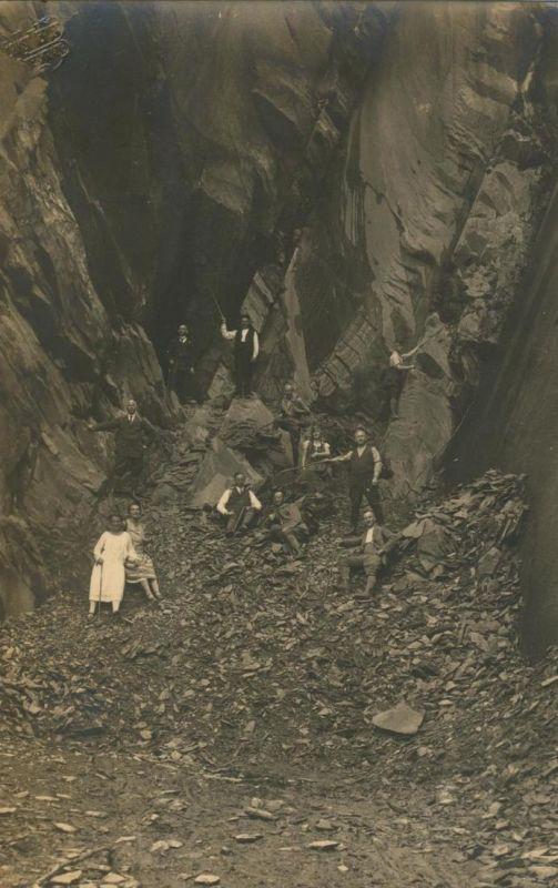 Sterkrade v. 1930  Gruppe des S.G.V. Ortsgruppe Sterkrade in den Bergen  (54231) 0