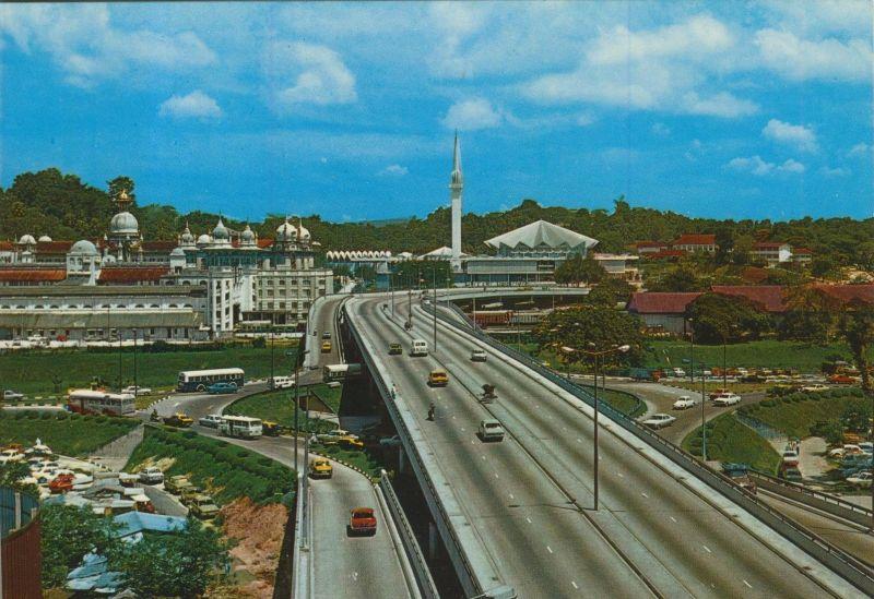 Kuala Lumpur v. 1976  Teil-Stadt Ansicht mit Brücke und Mosque  (55320)