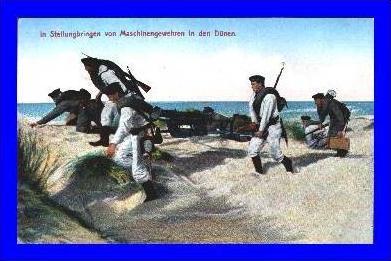 Marine v. 1916 Maschinengewehre in Stellung bringen   (1914)