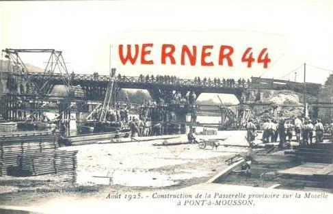 Pont Mousson v. 1905 Construction de la Passerelle provisoire sur la Moselle  (27302)