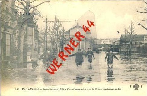 Paris-Venise v. 1910  Inondations 1910 vue d´ensemble sur la place lachambaudie --- SELTEN !!  (27400)