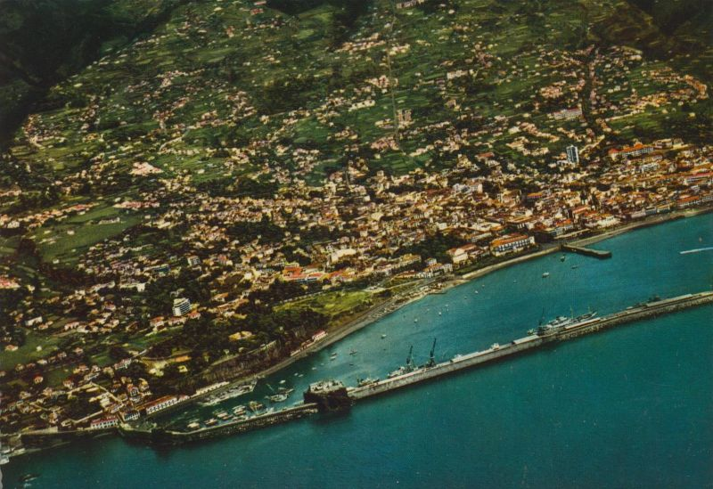 Madeira v. 1968  Vista aerea do Funchal  (55451)