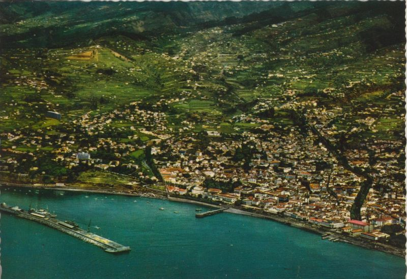 Madeira v. 1968  Vista aerea do Funchal  (55452)