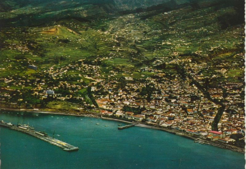 Madeira v. 1968  Vista aerea do Funchal  (55455)
