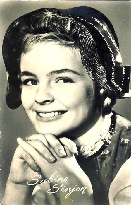 Sabine Sinjen v. 1943  - siehe Foto !!  (35491)