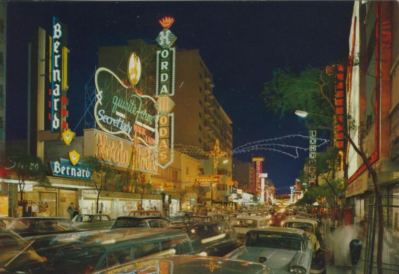 Sabana Grande v. 1976  Avenida Abraham Lincoln  (56093)