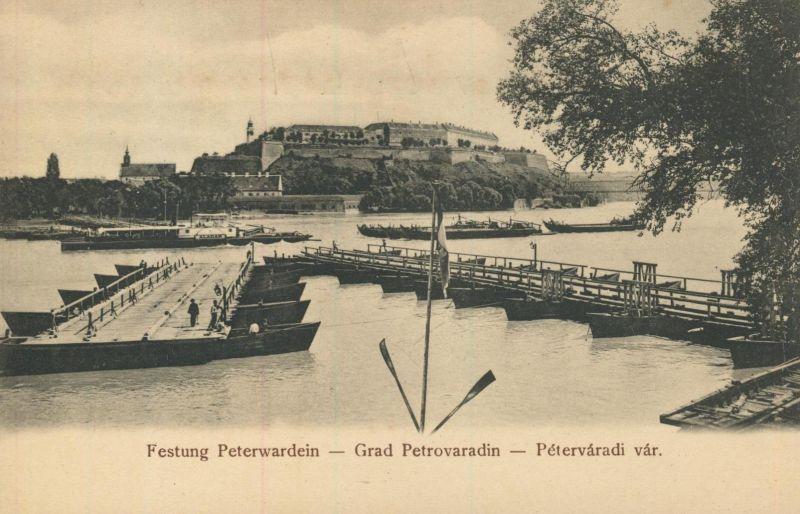 Peterwardein v. 1928  Die Festung Peterwardein mit Brückenfähre  (52366)