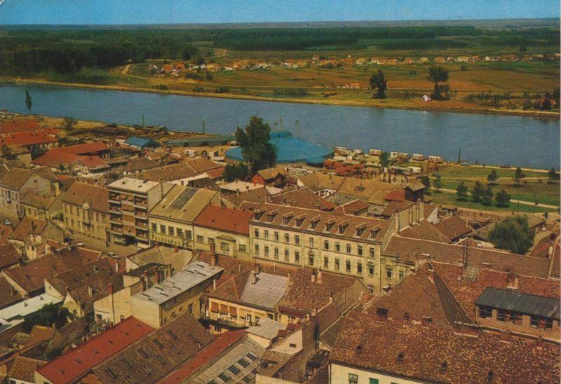 Osijek v. 1967  Teil-Stadt-Ansicht  mit Fluß und Siedlung  (55145)