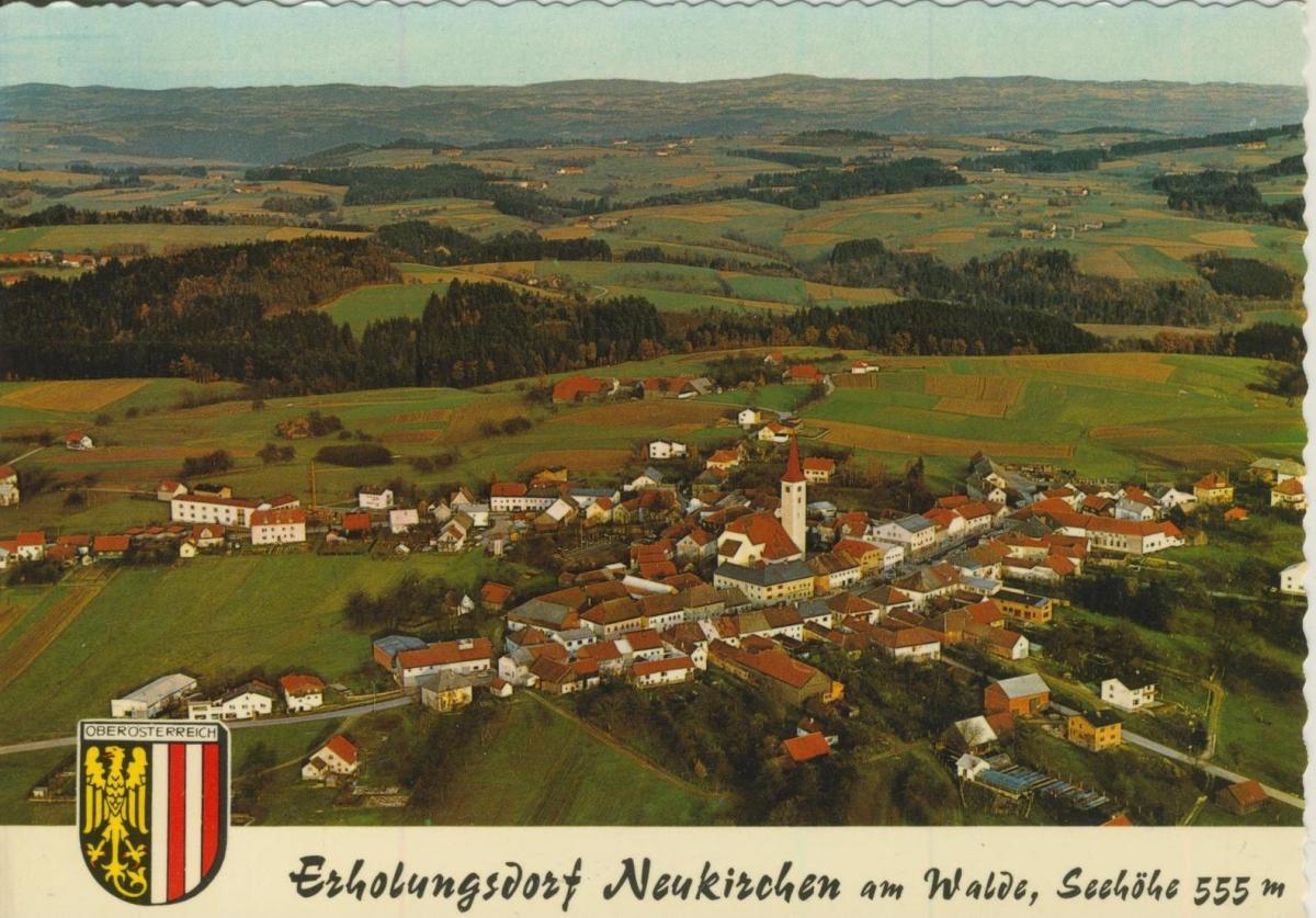 Neukirchen am Walde v. 1974  Luftaufnahme - Dorfansicht  (56844)
