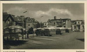 Apeldoom v. 1956  Autobusstation Sophiapark  (52276)