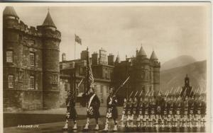 Edinburgh v. 1936  The Palace op Holyroodhouse  (53179)