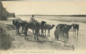 Scenes et Tpyes v. 1922  Caravanne traversant Ì`Oued  (53717)