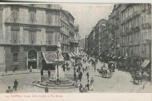 Napoli - II. v. 1910  Largo della Carita e Via Roma  (53739)