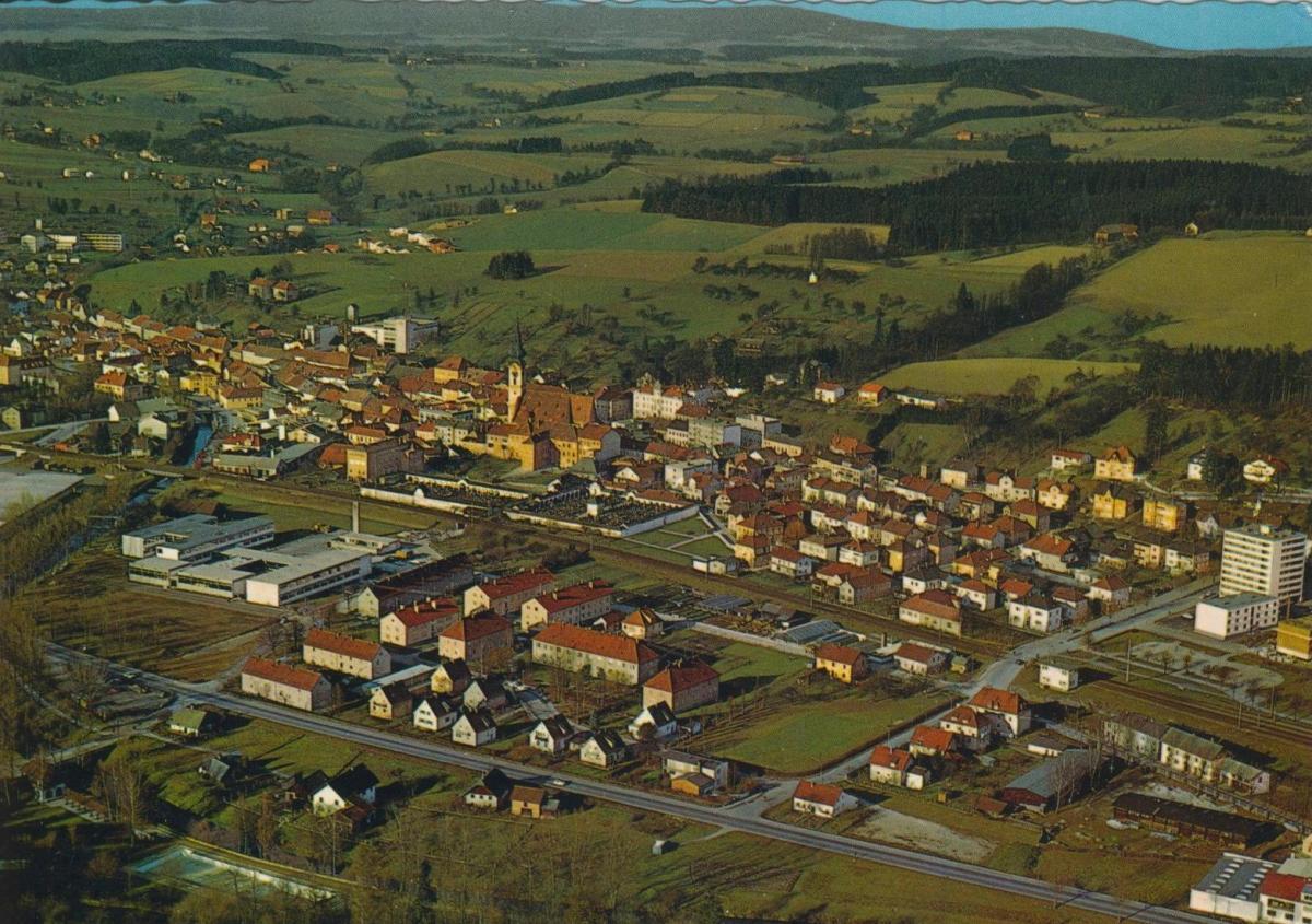 Wieselburg an der Erlauf v. 1974  Luftaufnahme - Dorfansicht  (56823) 0