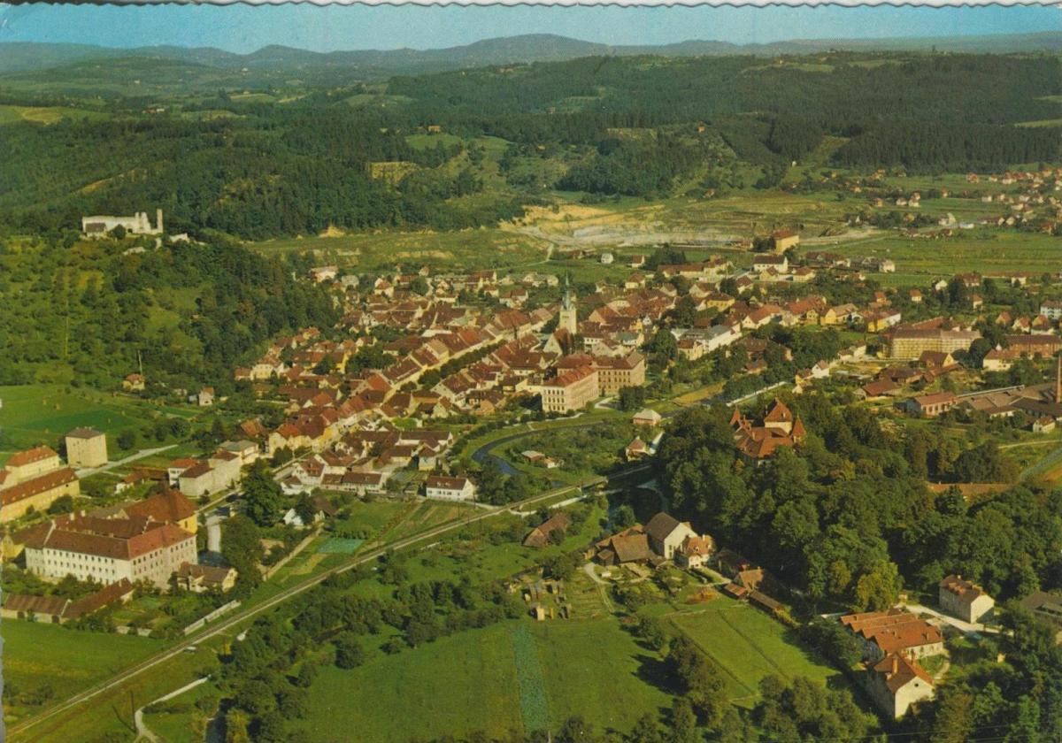 Voitsberg v. 1974  Luftaufnahme - Dorfansicht  (56853) 0