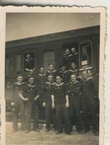 M.S. General von Steuben v. 1939  Marine Soldaten der Steuben am Bahnhof in Cuxhaven  (57973)