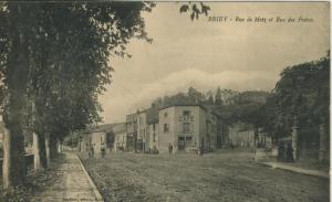 Briey v. 1915  Rue de Metz et Rue des Foires mit Cafe !!  (57777)