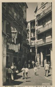 Lisboa-Antiga v. 1957  Largo de Chafariz Dentre  (58346)