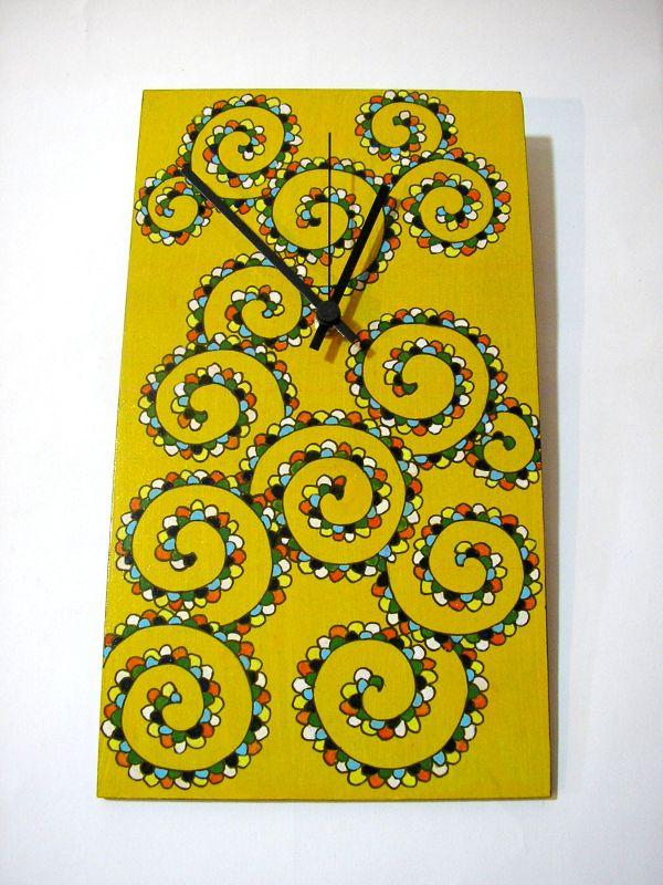 Uhr von Hand verziert, MDF-Platte, 31x18cm