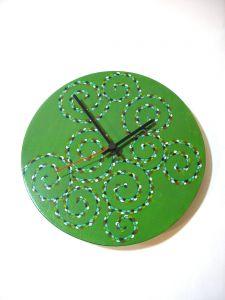 Uhr von Hand verziert, MDF-Platte, Durchmesser 20cm