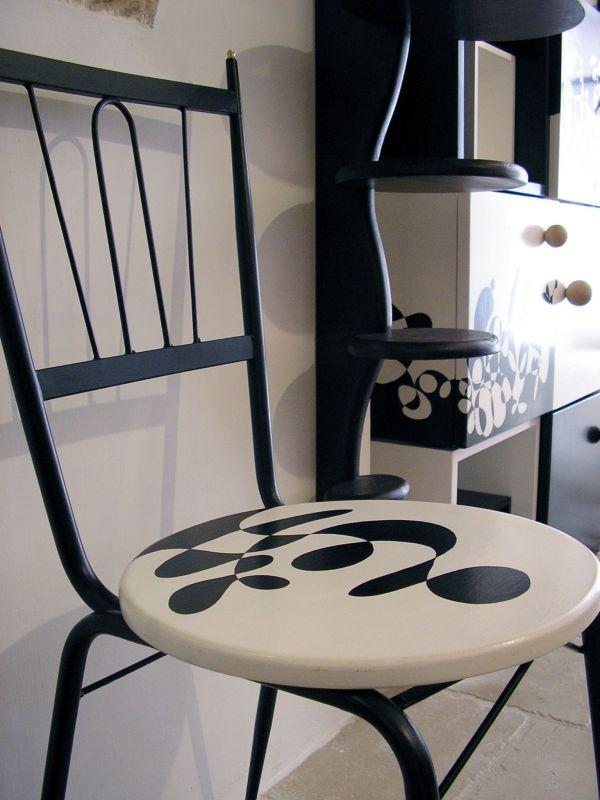 1 Paar Vintage Stühle aus Eisen und Holz, von Hand dekoriert, 45x45x80cm 1