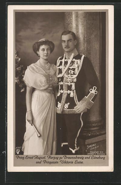 AK Prinz Ernst August, Herzog zu Braunschweig in Uniform und Prinzessin Victoria Luise im Kleid 0