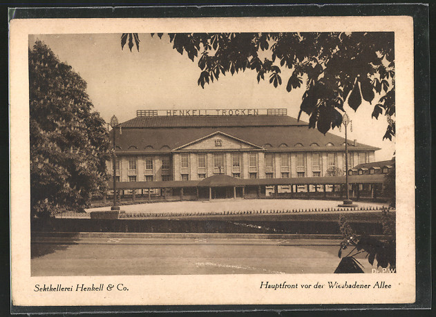 AK Wiesbaden, Sektkellerei Henkell & Co., Hauptfront vor der Wiesbadener Allee