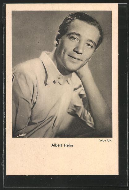 AK Schauspieler Albert Hehn in Kamera schauend 0