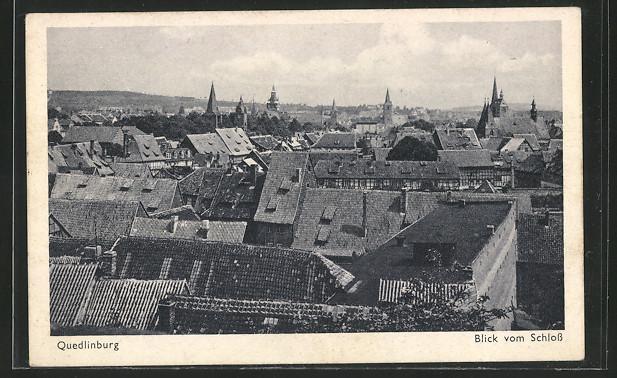 AK Quedlinburg, Blick vom Schloss über die Dächer des Ortes 0