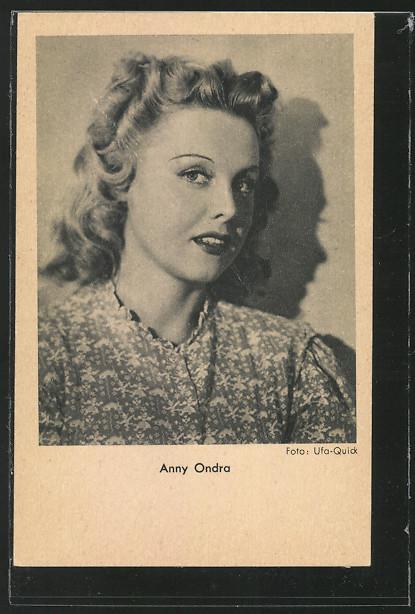 AK Schauspielerin Anny Ondra in Kamera schauend 0