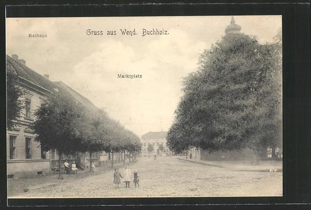 AK Wendisch Buchholz, Marktplatz mit Kindern, Rathaus 0