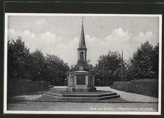 AK Gröditz, Kriegerdenkmal mit Kirche  0