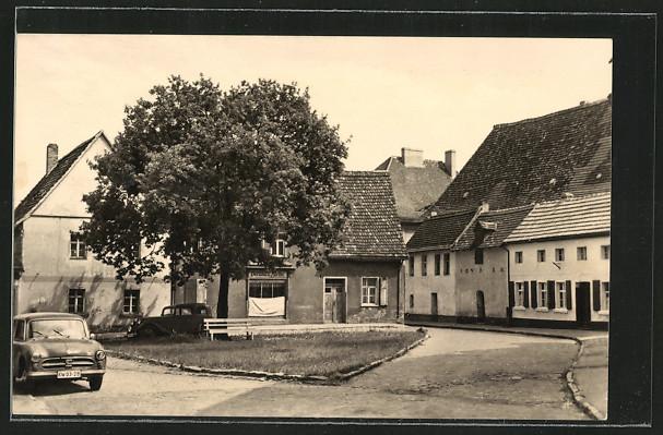 AK Gerbstedt, Klosterplatz mit Autos 0