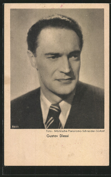 AK Schauspieler Gustav Diessl lächelnd im Anzug porträtiert 0